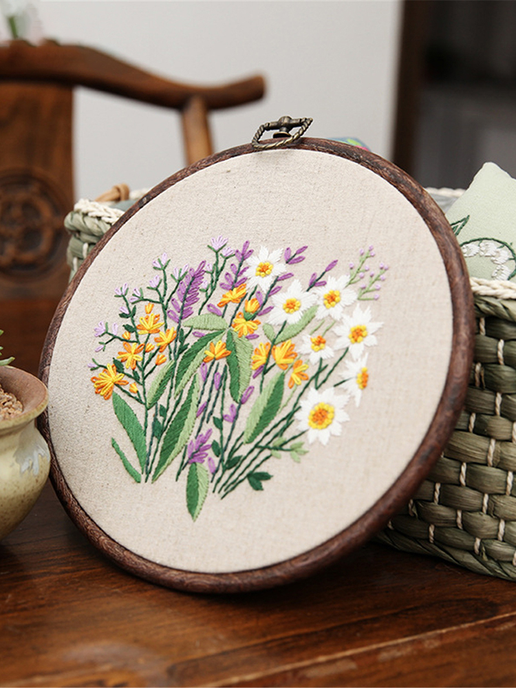 Embroidery Starter Kit With Pattern Stamped Embroidery Kit Including Embroidery Cloth With Pattern Bamboo Embroidery Hoop Color Threads Needle Kit
