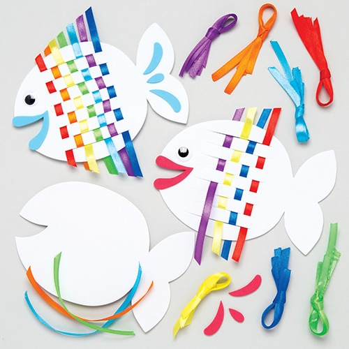 Rainbow Fish Weaving Kits - 6 Fish Shaped Weaving Sets For Kids With Multicoloured Ribbons. Size: 14cm.